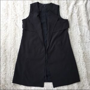 Romeo & Juliet Sz M long sleeveless outerwear